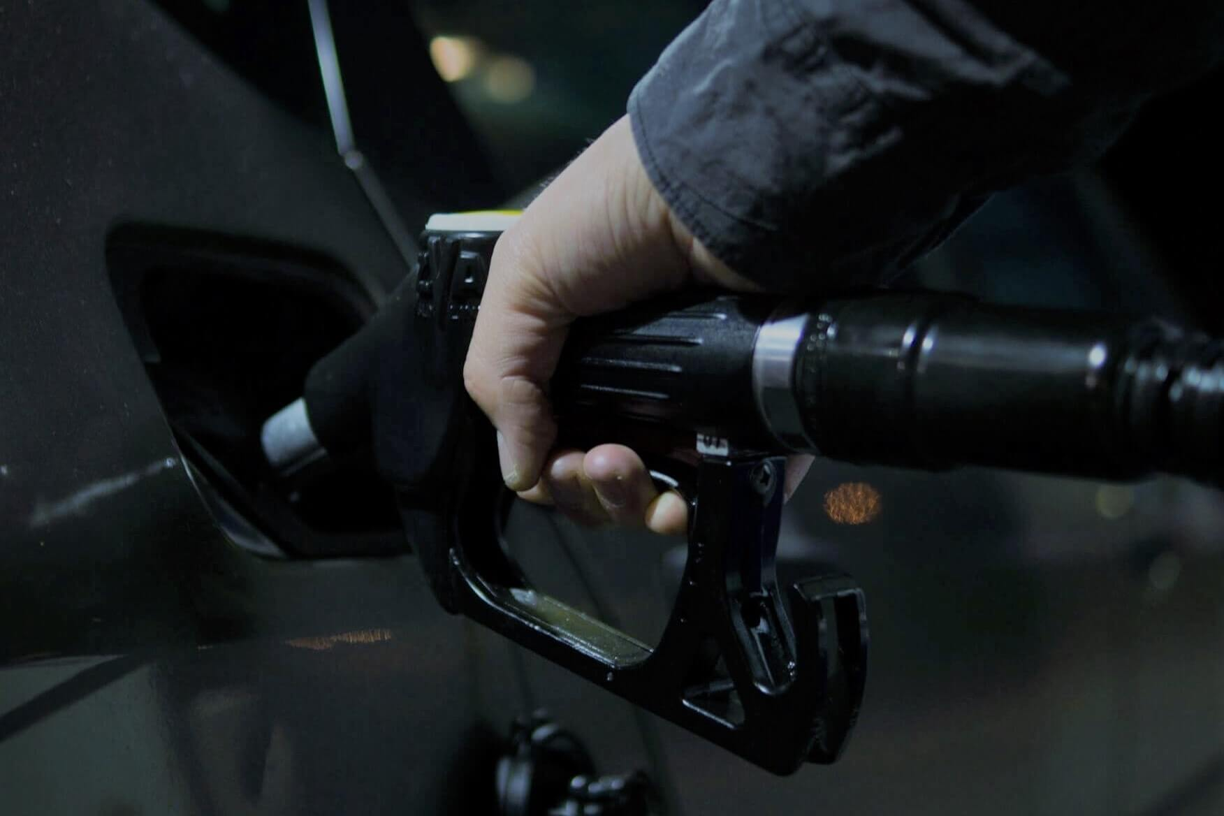 Filling up petrol efficiently can help lower driving costs